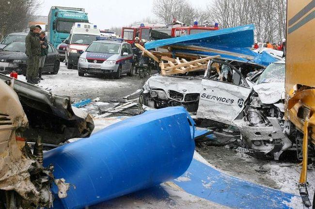 Авария в Австрии (4 фото)
