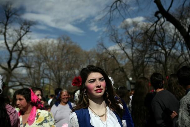 Невесты-цыганки на продажу (17 фото)