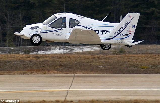Первый полет летающей машины (6 фото + видео)
