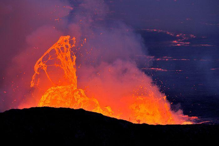 Кратер вулкана Nyiragongo (28 фото)