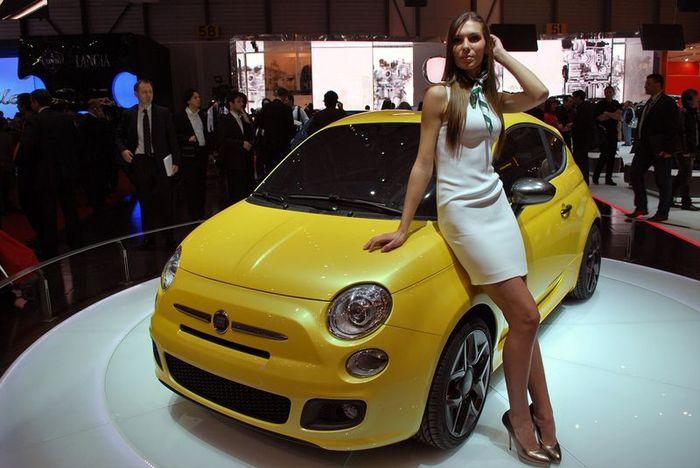 Ателье Zagato показало в Женеве свой концепт Fiat 500 (16 фото)