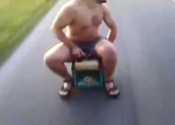 Странно-забавное транспортное средство