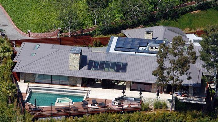 Дженнифер Энистон выставила на продажу дом (10 фото)