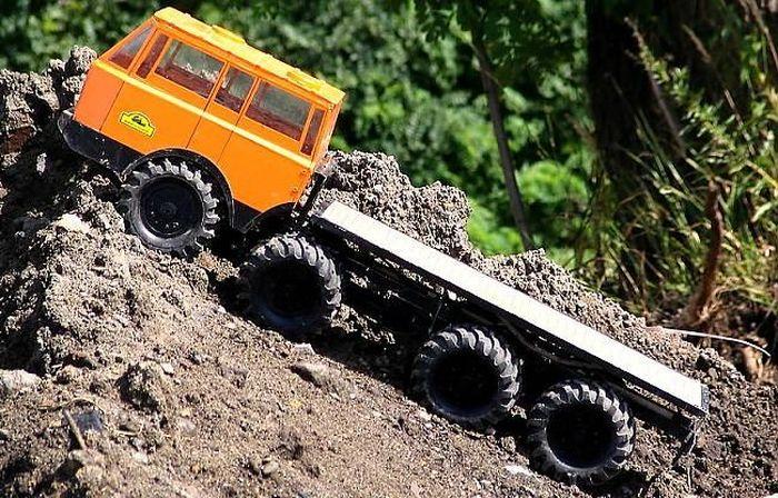 4-осная модель Tatra 813 8x8 Kolos (9 фото+видео)