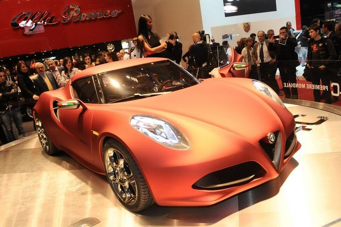 Alfa Romeo представили новинку 4C Concept (19 фото+видео)