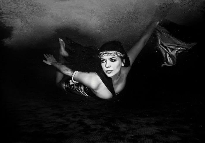 Подводные модные фотосессии (35 фото)