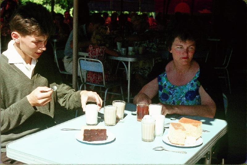 14. Завтрак в Сочинской столовой (1 руб. 16 коп.)