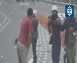 Полиция Бахрейна стреляет в упор