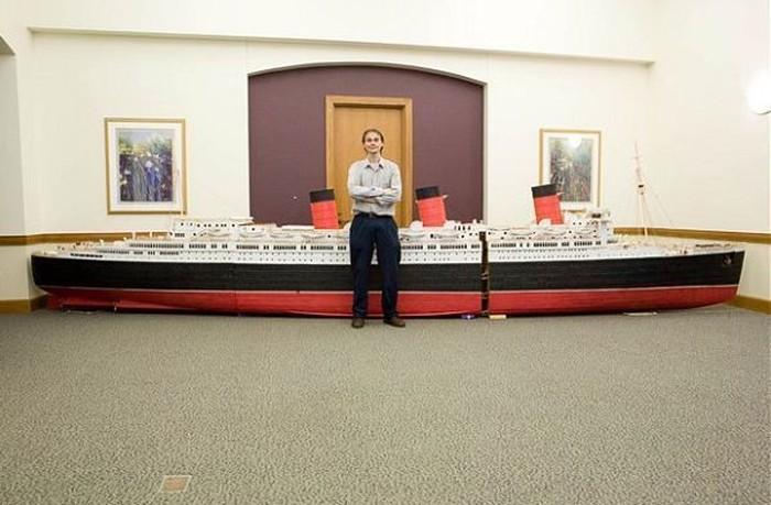 Огромный корабль из зубочисток (17 фото)