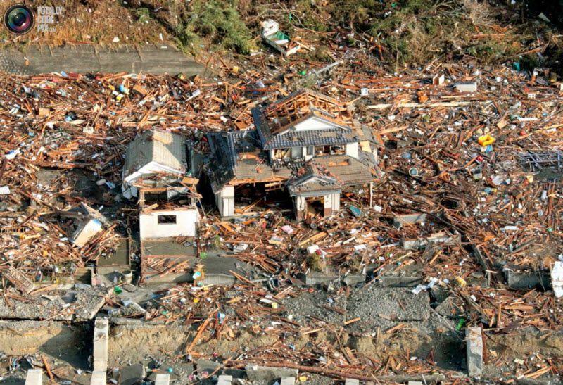 Разрушенные дома в префектуре Иватэ.