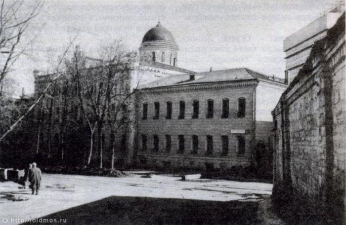 9. Хлудовская богодельня. Фото 1990-1997 г: