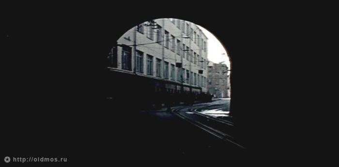 12. Туннель под железнодорожными путями. Фото 1979 года: