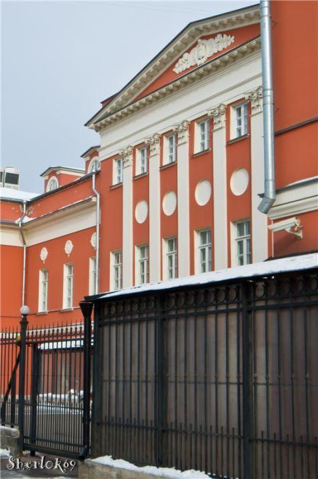 В этом доме начали печатать ПЕРВЫЕ в Москве открытые письма, открытки с видами Москвы. Было это в 1894 году/ Фото 2011 года: