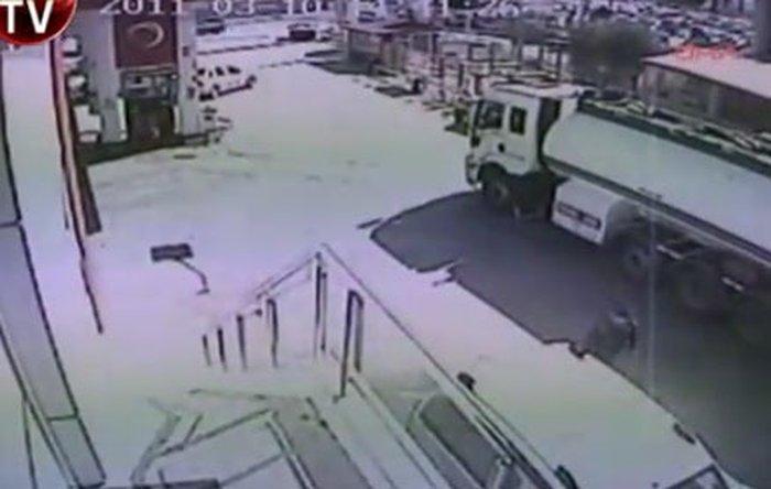 В Турции загорелся бензовоз (видео)