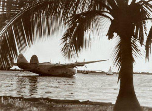 """Гидросамолет Боинг-314 (или как его еще называли - """"Лайнер мечты"""") производился в США с 1938 г. по 1941 г. и мог совершать перелеты с крейсерской скоростью 300 км/час на расстояние 6000 километров. Летающая лодка могла находиться в воздухе более 12 (!!!) часов и брать на борт 77 пассажиров. Заметьте, это еще до начала Второй мировой войны!"""