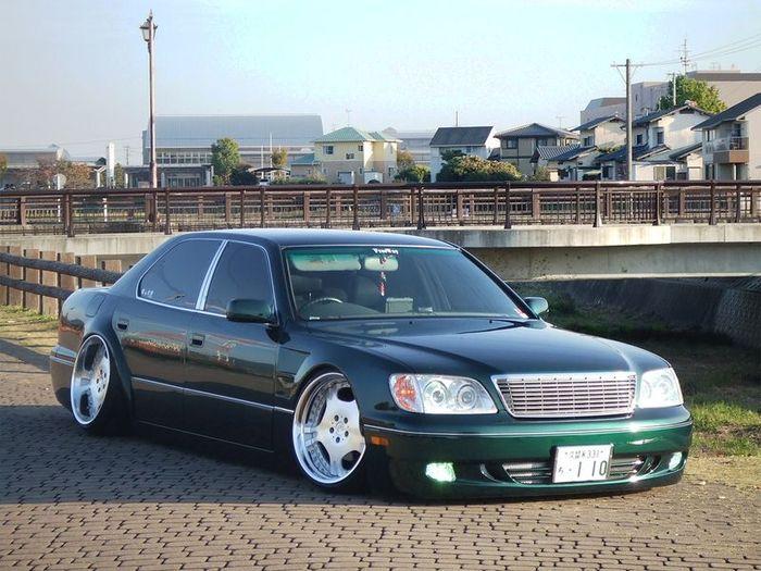 Подборка авто в японском тюнинг-стиле VIP (37 фото)