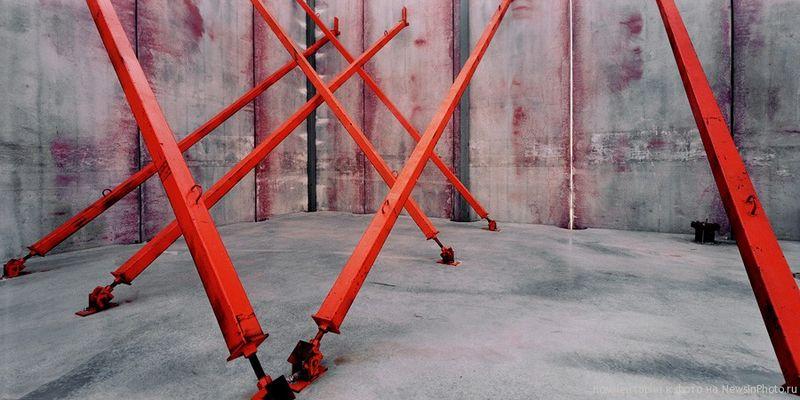 13.Стальные фермы (Steel Girders)<br>  Нью-Йорк, 2001 год.