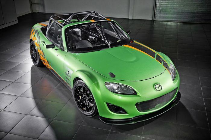 "Самая мощная Mazda MX-5 GT для гонок ""Britcar MSA"" (10 фото)"
