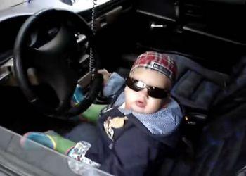 Крутой пацанчик за рулем