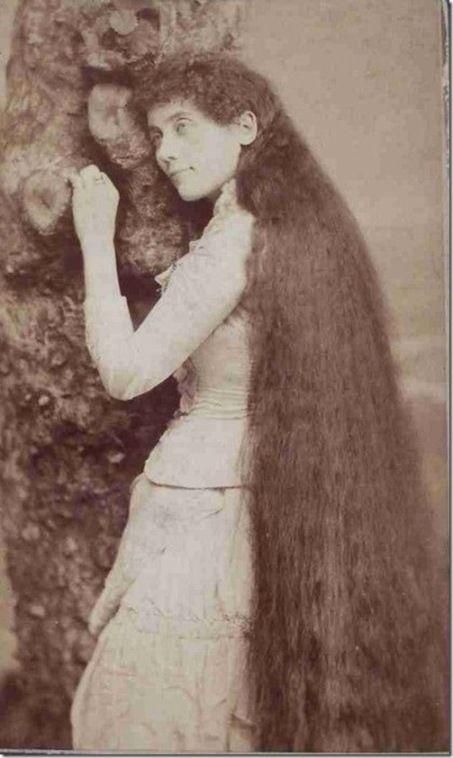 Они были не менее популярны, чем такие знаменитости, чьи наследия пережили испытание временем: Мэй Уэст, Мэри Пикфорд, Чарли Чаплин, Дуглас Фэрбенкс.  Люди пытались срезать или украсть волосы сестер на счастье, они зарабатывали большие деньги на автографах,публикациях, сувенирах, фотографиях.