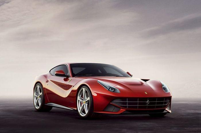 Компания Ferrari официально представила новую модель - F12 Berlinetta (15 фото+2 видео)
