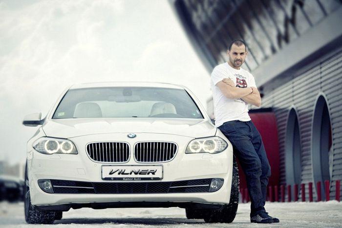 Интерьер BMW 5-Series F10 от ателье Vilner для футболиста Костадина Стоянова (13 фото)
