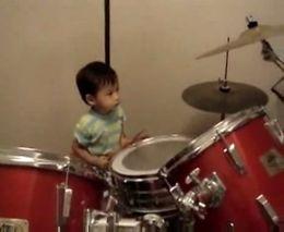 Талантливый барабанщик