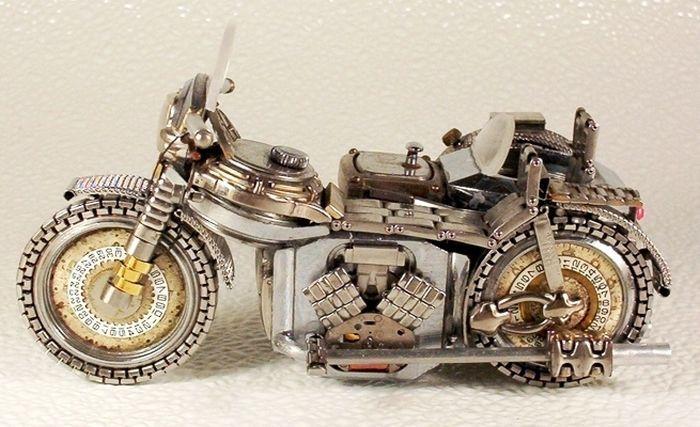 Игрушечные мотоциклы из старых часов (37 фото)