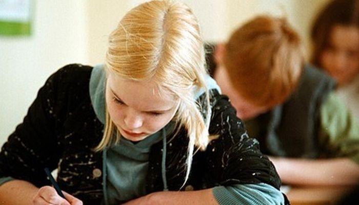 Поздравления латышских школьников (3 фото)