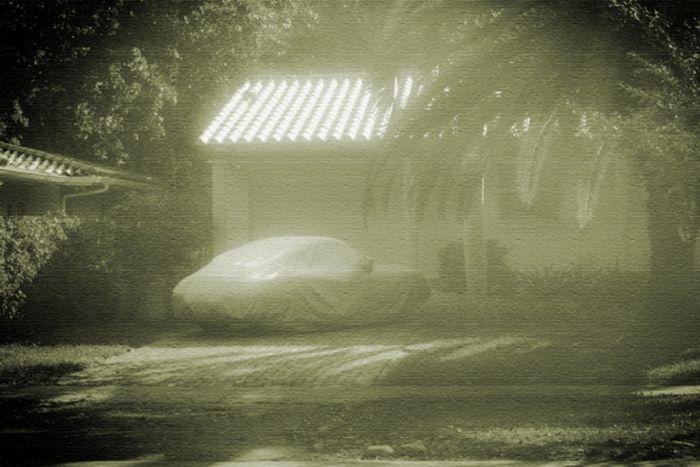 Автомобили-призраки от фотографа Алекса Бекера (14 фото)