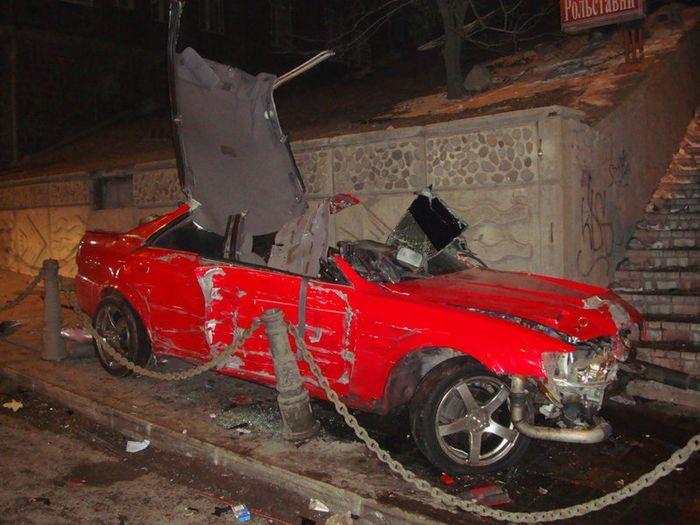 Серьезная авария стритрейсера во Владивостоке (6 фото+видео)