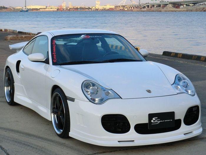 Тюнинг-пакеты от Garage EUR для автомобилей марки Porsche (24 фото)