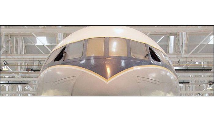 Почему в самолетах иллюминаторы круглые и другие интересные факты (16 фото + 1 видео)