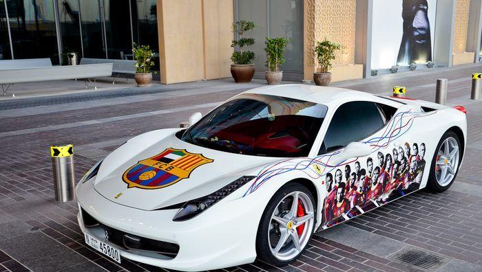 Ferrari 458 Italia настоящего фаната футбольной Барселоны (10 фото)