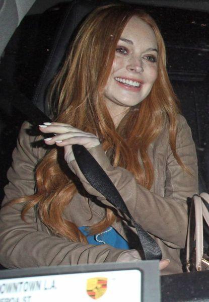 У Линдсей Лохан снова рыжие волосы (6 Фото)