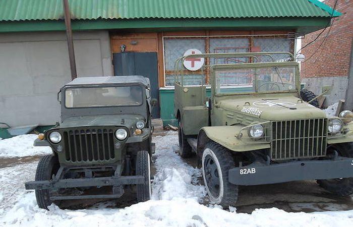 Неизвестные продают музейные авто (4 фото)