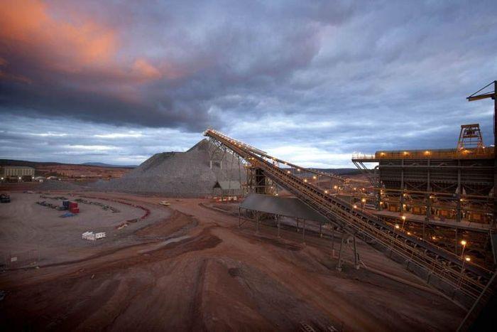 Cамые большие в мире шахты по добыче золота (10 фото)