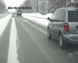 Берегись военного урала на зимних дорогах