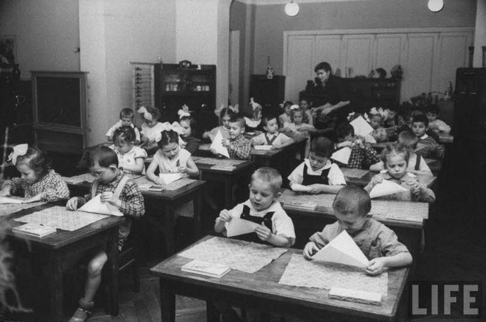 Жизнь советского детского сада в 1960 году глазами фотографа Life (16 фото)