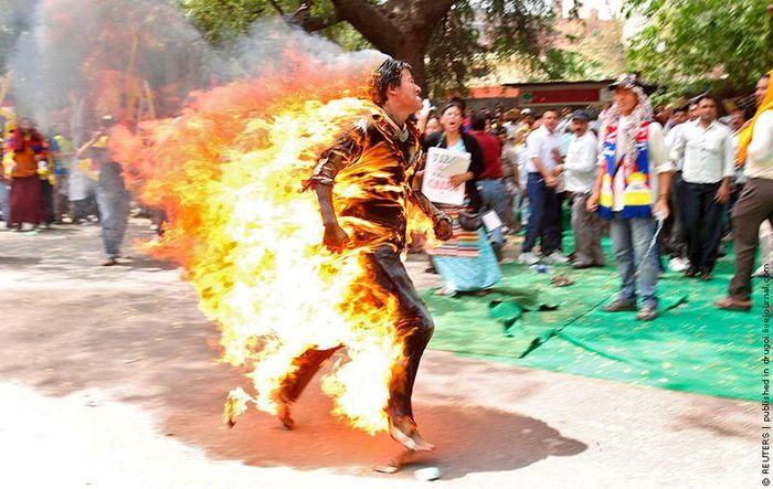 Тибет протестует (3 фото)