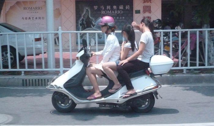 Как и на чем ездят в небольших провинциях Китая (18 фото+видео)