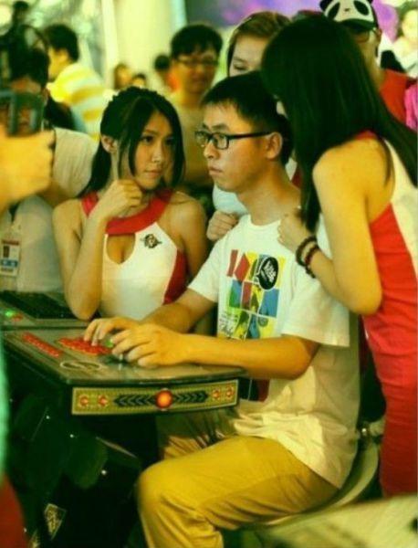 Фотоприкол онлайн азиаты, видеоигры, девушки, задрот, япония