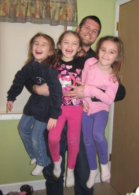 Фотоприкол онлайн дочка, малыши, отец и дети, счастье