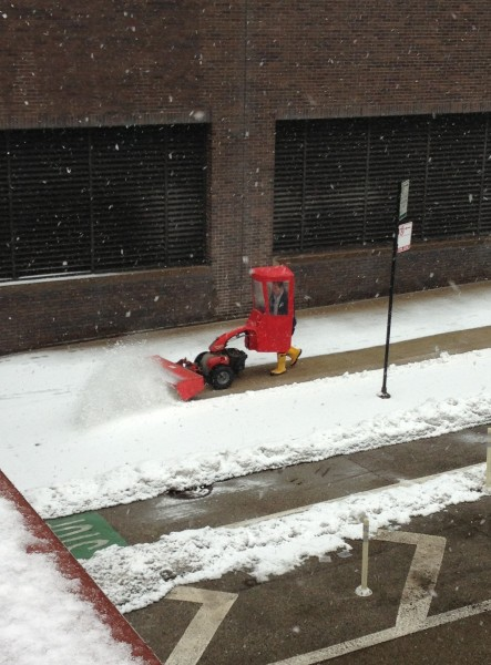 Фотожесть костюм, прикол, снегоуборочная машин