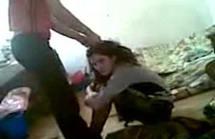 Голые тёлочки избиенье видео фото 507-421