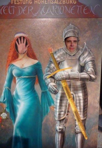 Фото прикол парень, рука, рыцарь, смешная фотография