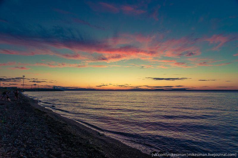 Прикол берег моря, галка, закат