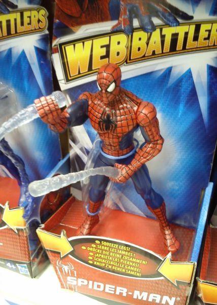 Фотоприкол бесплатно в руке, игрушка, прикол, человек паук