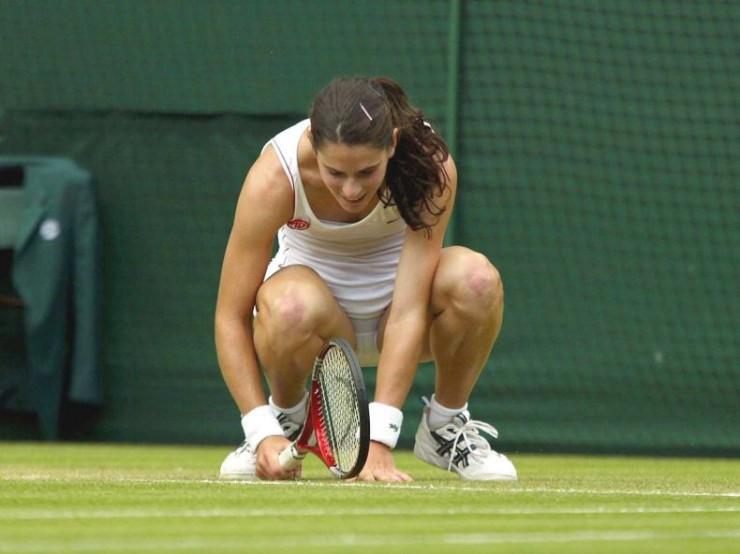Фото женщины на спорте сняли трусы #2
