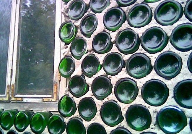 Къща от бутилки 001_glass